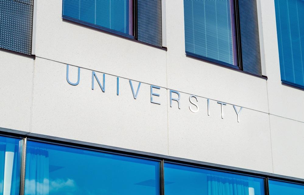 university-2119707.jpg